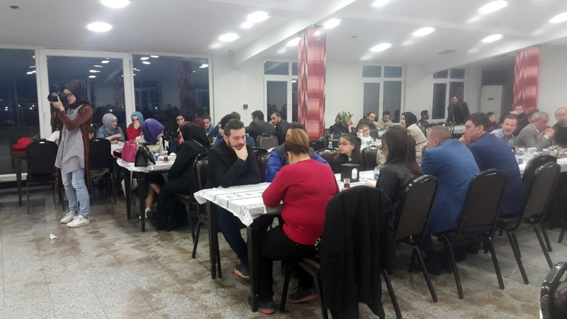 İstanbul'daki Öğrenciler Trabzonspor Formalarını Aldı