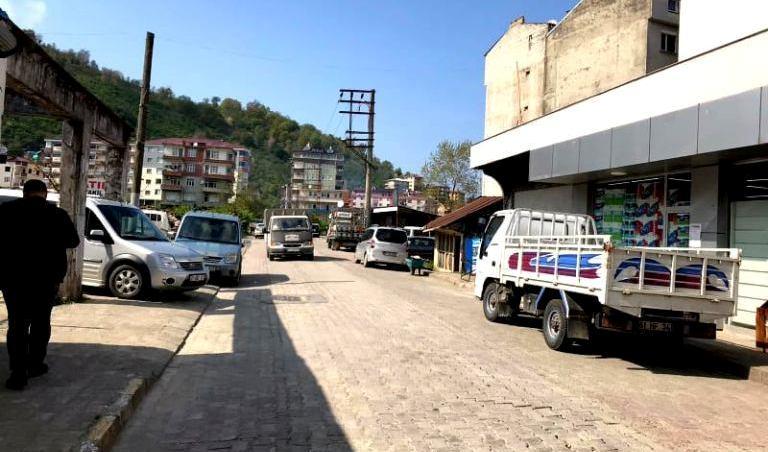 4 Günlük Yasak Bitti Araklı'da Sokaklar Sessiz Kaldı