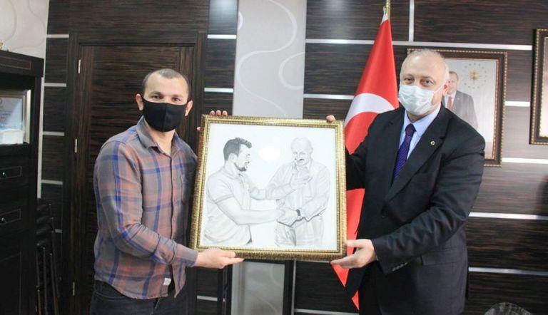 Başkan Çebi'ye İşitme Engellilerden Ziyaret
