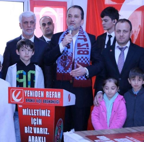 Araklı'da Fatih Erbakan Rüzgarı Esti