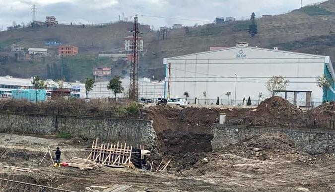 DSİ'den Sanayi Sitesine Yaya Köprüsü