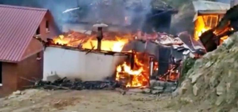 Turnalı'daki yangın saatlerce sürdü