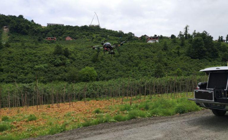 Araklı'da karantina altındaki mahalle drone ile kontrol ediliyor