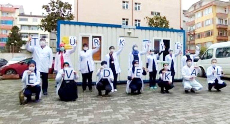 Araklı Aile Sağlığı Merkezi çalışanlarından 'Evde Kal Türkiye' çağrısı