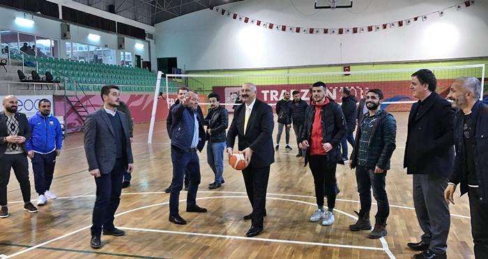Başkandan Gençlere Basketbol Dersi!